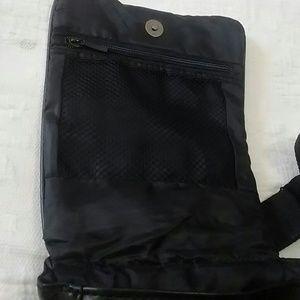 Buxton Bags - Buxton sling bag.
